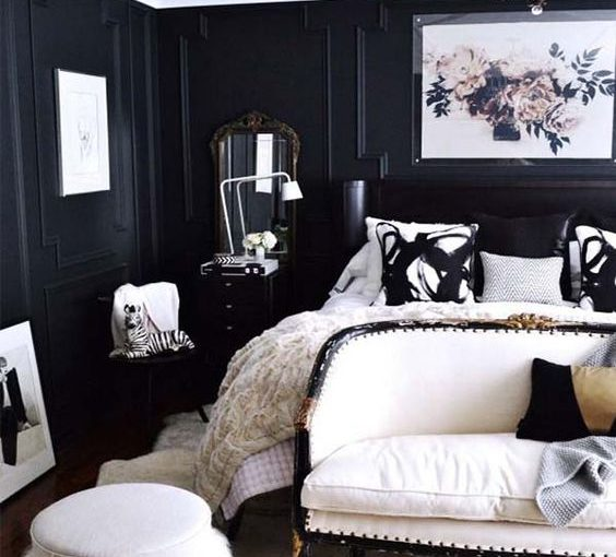5 Inexpensive Black Bedroom Decor Items For Small Spaces
